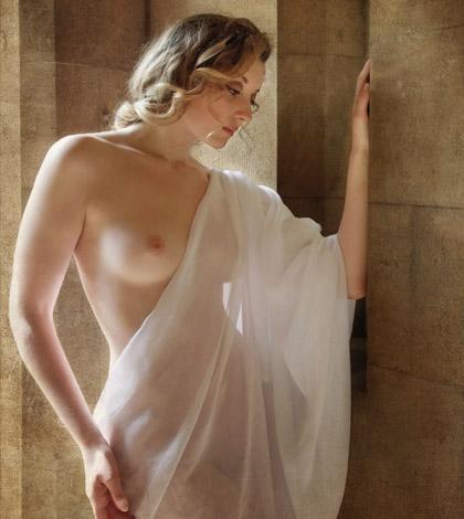 Nackt Ella Rose  Olivia Brower